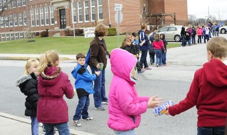 Immaculate Conception Students Serve New Oxford Community
