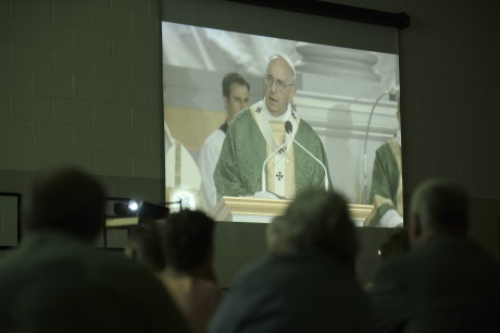 Faithful Gather in Parishes for Papal Visit to Philadelphia