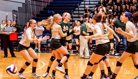 York Catholic Nets Gold in Volleyball